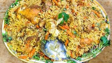 أرز بالدجاج والجزر.