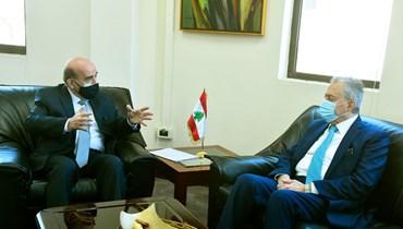 وهبة سلم السفير السوري مذكرة للتفاوض  على الترسيم البحري
