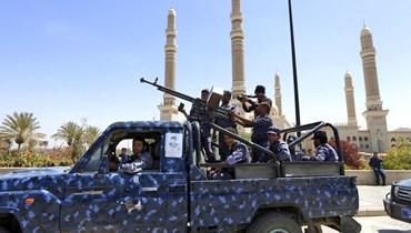عناصر تابعة للحوثي (ا ف ب)