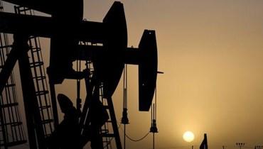 النفط مستقر قرب أعلى مستوى في شهر (تعبيرية - أ ف ب).