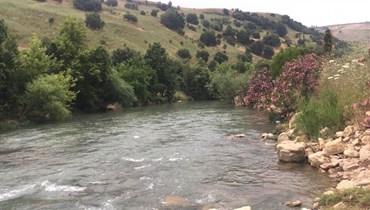 سرقة المنشآت المخصصة للقياسات المائية على نهر العاصي في الهرمل (تعبيرية).