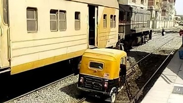 توك توك وقطار مصري.