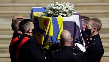 """""""البلد كلّه حزين جداً""""... تشييع جثمان الأمير فيليب بحضور الملكة اليزابيث (صور وفيديو)"""