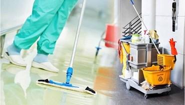 عامل نظافة تركي يخطف الأنظار بأناقته وحبه لعمله