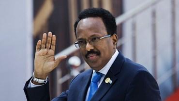 الرئيس الصومالي محمد عبد الله محمد لدى وصوله لحضور مراسم أداء سيريل رامافوزا اليمين في في بريتوريا بجنوب إفريقيا (25 ايار 2019، أ ب).