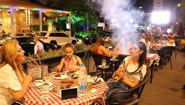 المقاهي ترفع الصرخة... الخسارة زادت في رمضان والقانون لا يطبّق على الجميع!