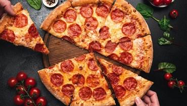 بيتزا.