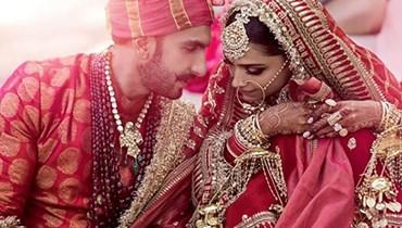 غريب.. زوج يساعد زوجته على الزواج من عشيقها!