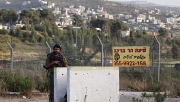 إصابة 3 إسرائيليين في الضفة بإطلاق نار من سيارة