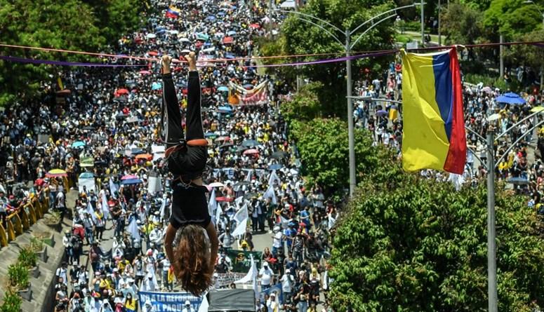 احتجاجات كولومبيا في يومها الثامن: آلاف المتظاهرين في الشوارع، وغضب من سياسات الحكومة