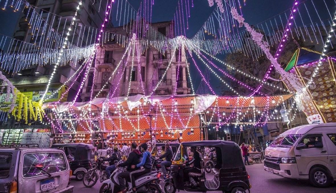 زينة رمضانية في القاهرة (أ ف ب).