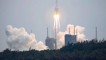 """صاروخ """"لونغ مارتش 5 بي"""" الصيني حاملاً وحدة فضائية في 29 نيسان الماضي - """"أ ب"""""""