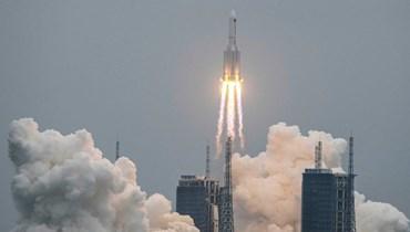 """إسدال الستارة على التكهّنات... جزء كبير من الصاروخ الصيني تفكّك وانتقادات من """"الناسا"""""""