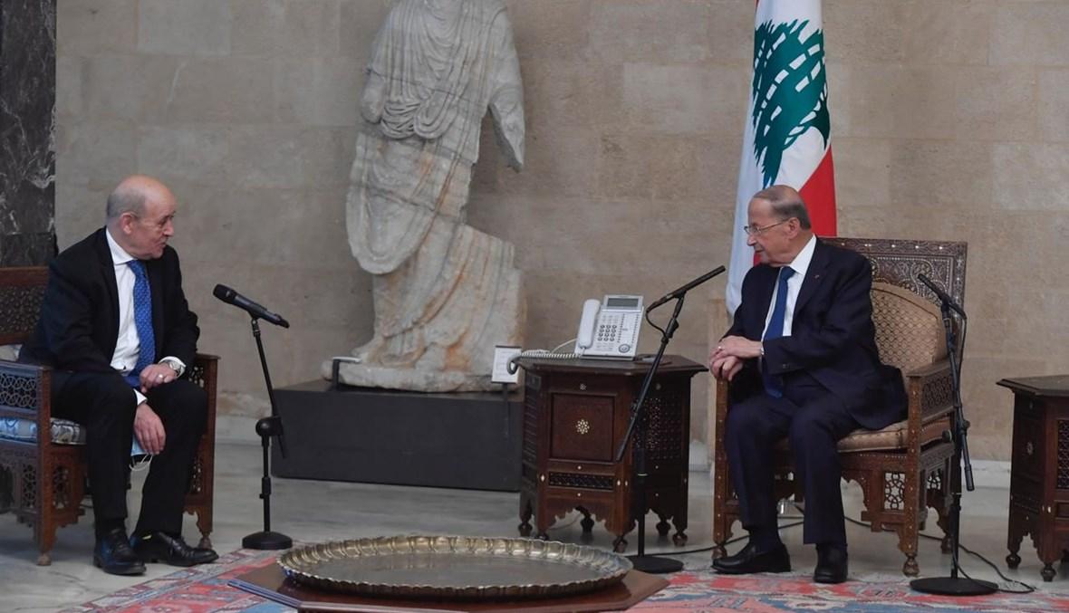 الرئيس عون ووزير الخارجية الفرنسي جان إيف لودريان (نبيل اسماعيل).