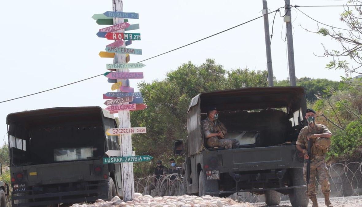 الجيش عند نقطة الناقورة الحدودية خلال جولة المفاوضات الخامسة (حسام شبارو).