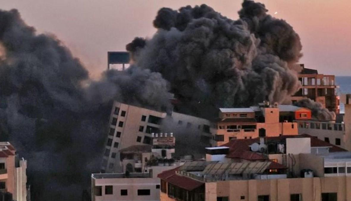 قصف الأبراج في غزة. (ا ف ب).