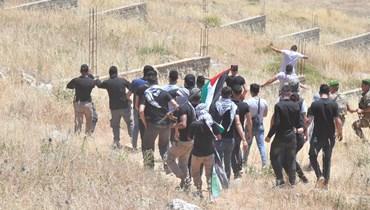 الشبان على الحدود (نبيل إسماعيل).