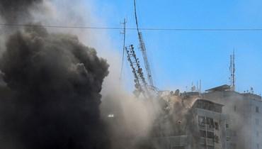 """آخر التطوّرات من فلسطين- قصف مدفعيّ وانهيار برج الجلاء بالكامل... """"القسّام"""" تتوعّد بردّ مزلزل (فيديوات)"""