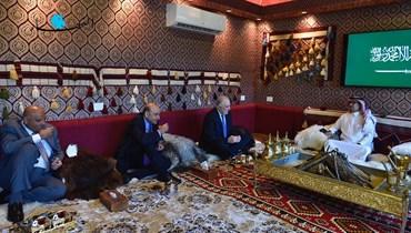 وفود تؤم دارة البخاري تضامناً مع السعودية (صور)