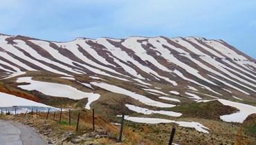 الثلوج على المرتفعات.