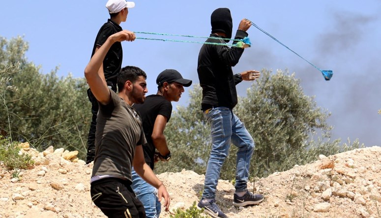 الضفة: فلسطيني يقضي برصاص القوات الإسرائيليّة خلال صدامات جنوب نابلس