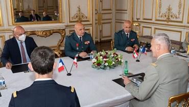 زيارة قائد الجيش إلى فرنسا في الميزان