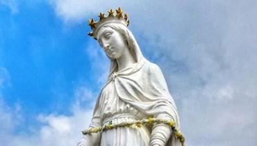 تمثال سيدة حريصا (تصوير الاب ايلي قرقماز).