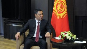 رئيس قيرغيزستان صدير جاباروف خلال اجتماع مع الرئيس بوتين في سوتشي (24 ايار 2021، أ ف ب).