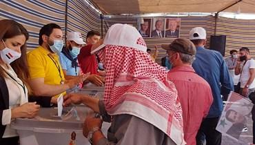 صفة اللاجىء سقطت  عن السوريين المقترعين في لبنان