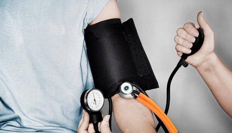 فوضى تغطيات شركات التأمين... ماذا بعد رفع الدعم عن القطاع الصحي؟