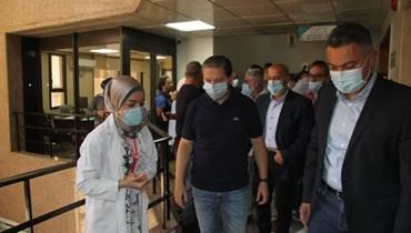 كرامي زار المستشفى الإسلامي الخيري في طرابلس.