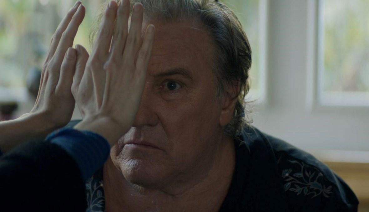 """الممثل الفرنسي جيرار دوبارديو في فيلم """"Robuste"""" للمخرجة كونستانس ماير."""
