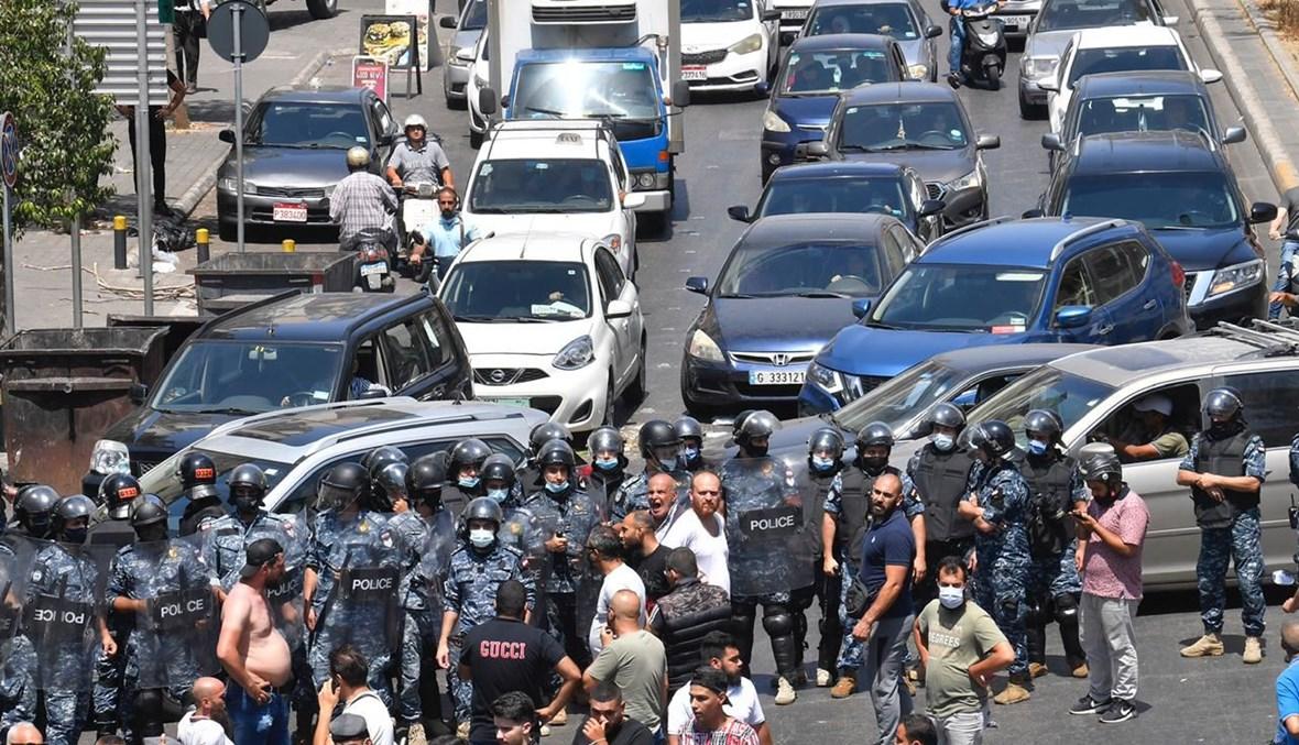 قطع الطريق (تصوير حسام شبارو وحسن عسل)