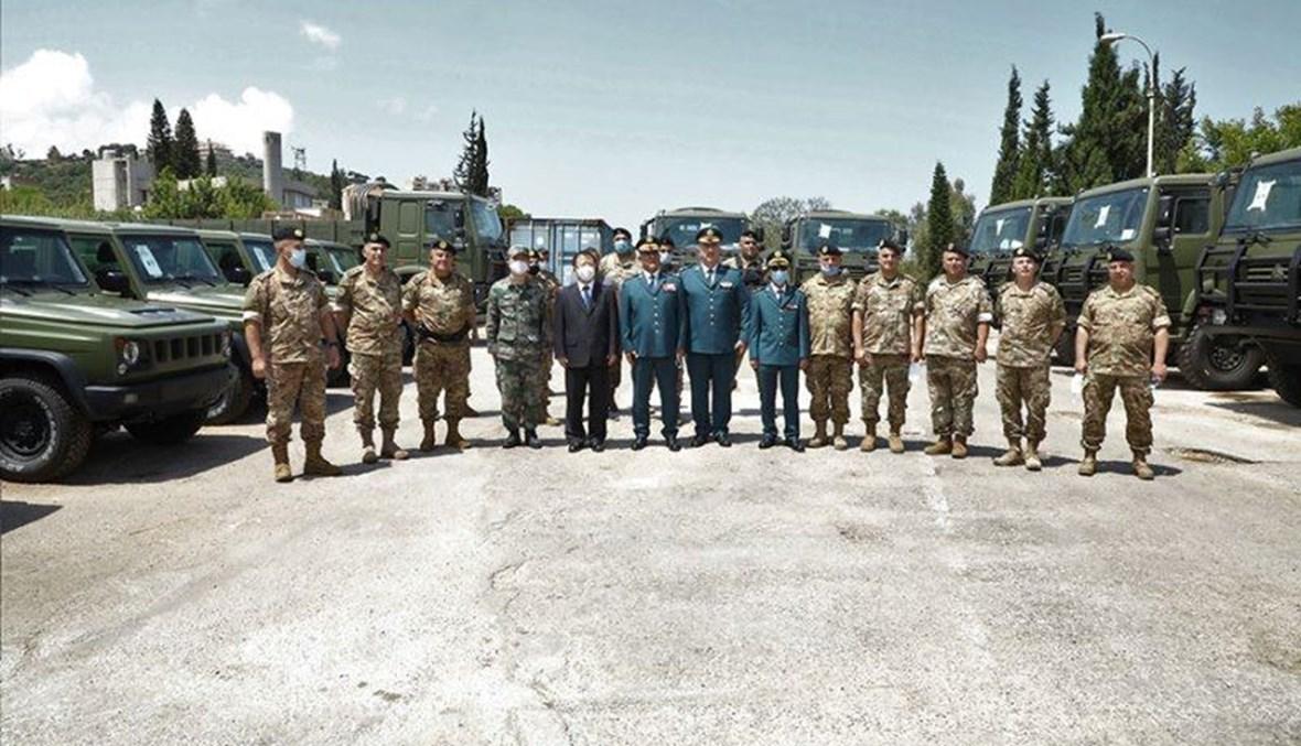 الجيش تسلم آليات عسكرية مقدمة من السلطات الصينية.