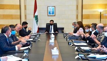رئيس حكومة تصريف الأعمال حسان دياب  لدى ترؤسه في السرايا الحكومية، اجتماعا بحث في موضوع مكافحة الاحتكار والتخزين والتهريب