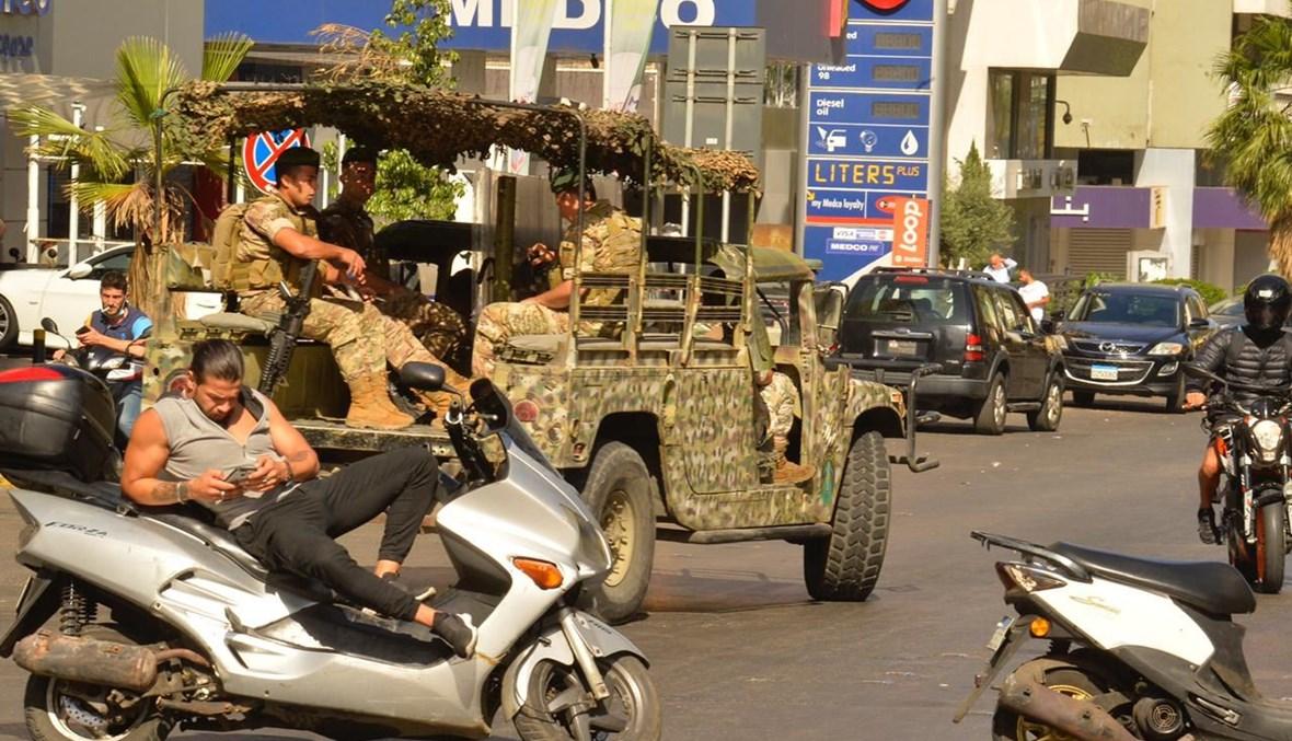 دوريات للجيش خلال الإضراب العام.