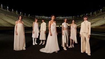 عرض أزياء ديور في اليونان: رحلة ساحرة وحديثة (صور)