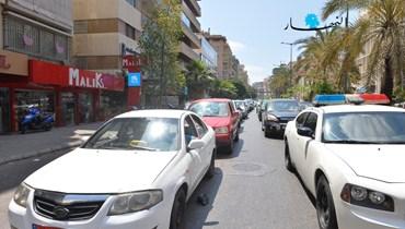 المشهد من أمام إحدى محطات الوقود في بيروت (تصوير نبيل إسماعيل).
