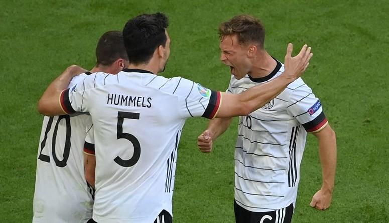 ألمانيا تكشر عن أنيابها