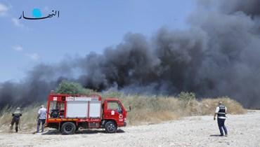 الحريق في مرفأ بيروت اليوم (تصوير مارك فياض).