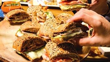 أطباق شهية في كافيه المندلون بالاشرفية (صورة من صفحة مجموعة المندلون في الفايسبوك).