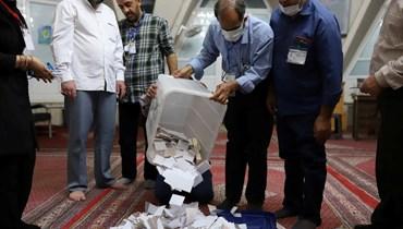 نجاح رئيسي إستفتاء ضد النظام؟