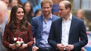 وليم وكايت لم يتحدثا مع هاري بعد جنازة الأمير فيليب... تسريب المحادثات بات هاجساً