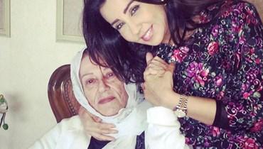 """وفاة والدة رابعة الزيّات: """"راح معك عمري يا ماما"""""""