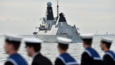 """سفينة حربية بريطانية تُشهل خلافاً مع روسيا في البحر الأسود... """"تصرّف خطير"""" وطلقات تحذيرية"""