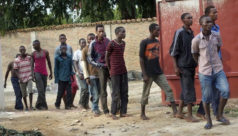 كمين يستهدف سيارات في وسط بوروندي: مقتل 15 شخصاً