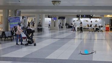بالصور والفيديو: عينٌ على المطار... الفوضى والعائدون المشتاقون وأموالهم