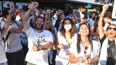 """احتفال """"النقابة تنتفض"""" بالفوز في الانتخابات (حسام شبارو)."""