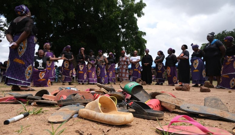 صلوات يوميّة ووقفات احتجاجيّة...أهالي التلاميذ المخطوفين في نيجيريا يعيشون كابوساً