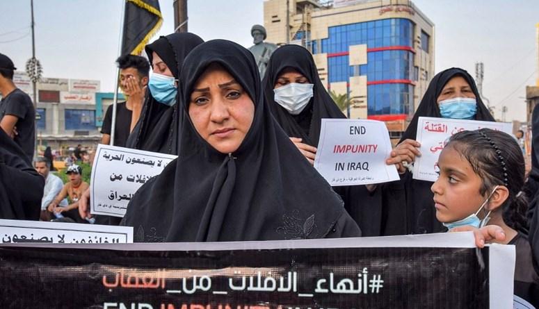 مئات المتظاهرين في بغداد  يطالبون بـ